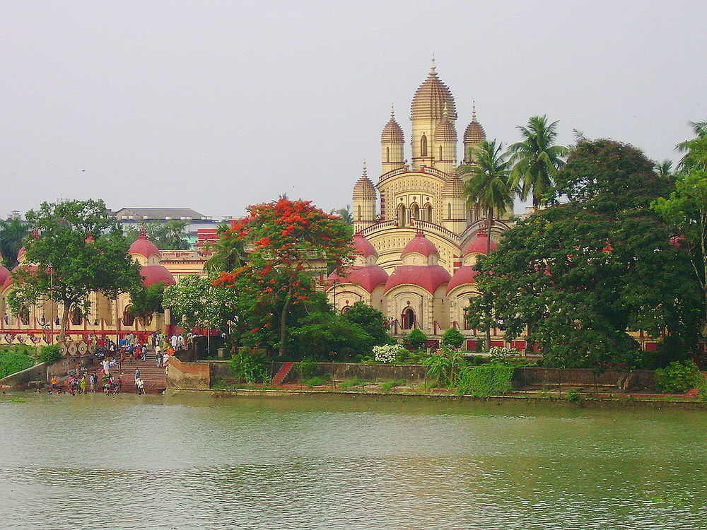 Dakshineswar Kali Temple   (Source: Wikimedia Commons)