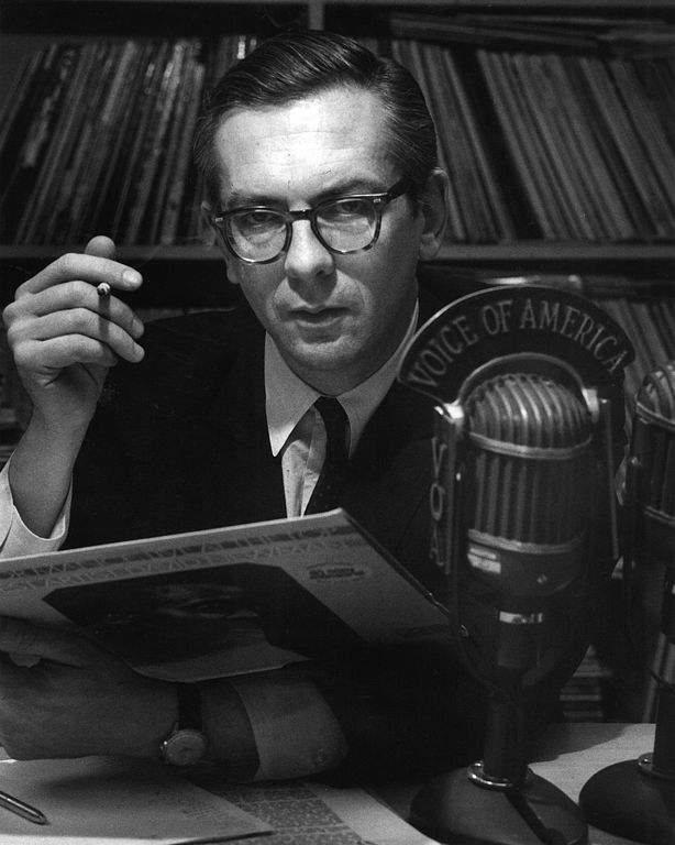 Willis Conover broadcasting with Voice of America in 1969 (Source: Wikipedia)