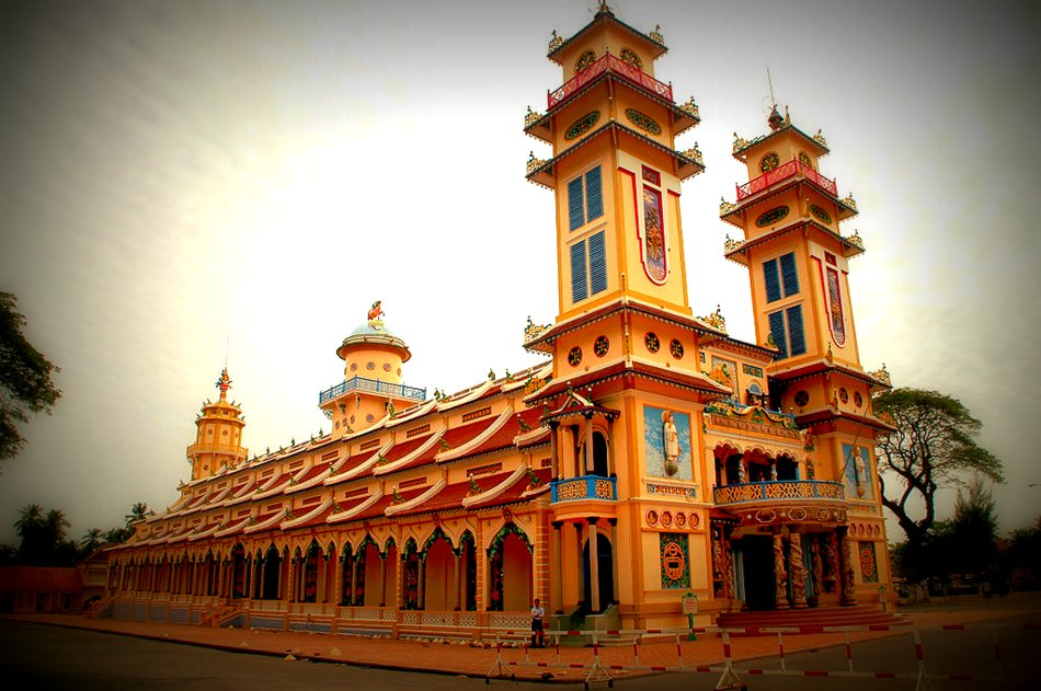 The main   Cao Đài   temple in the city of   Tây Ninh  (Source: Wikipedia)