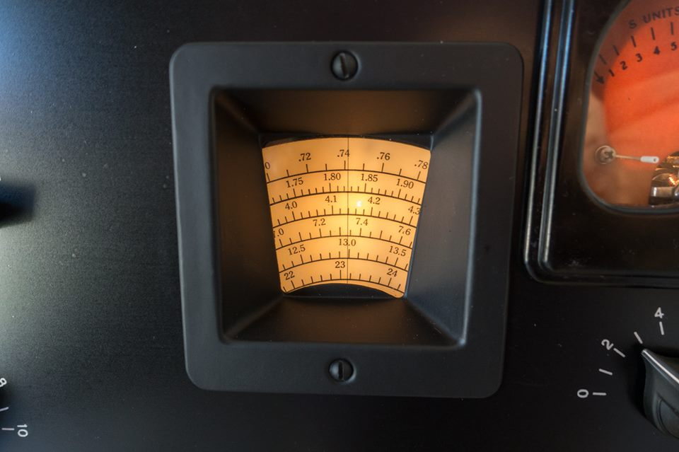 Hammarlund-HQ-120X-DialLight.jpg