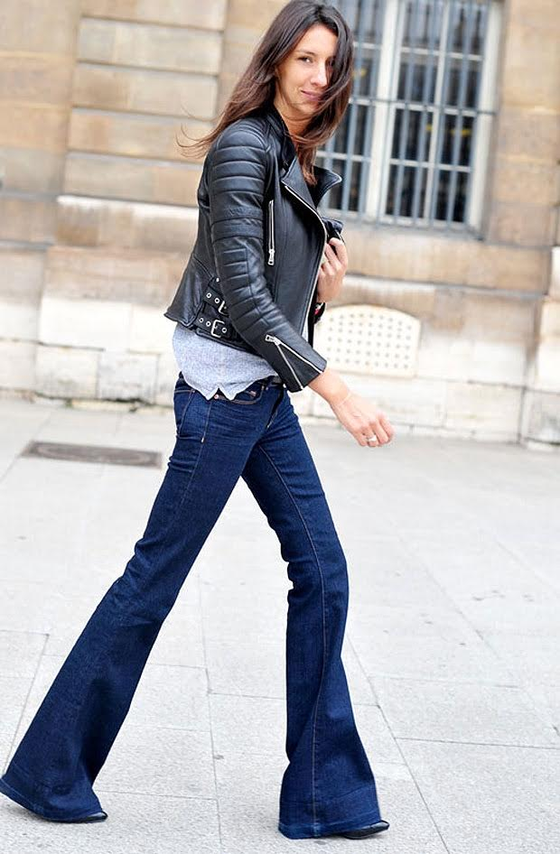 Flared Jeans Flared jeans are a classic #tbt trend. This 70's revival can be seen all over the runway this season. They offer a fashionable look while still feeling comfortable. If you are looking to mature your wardrobe, flared jeans are a perfect start.