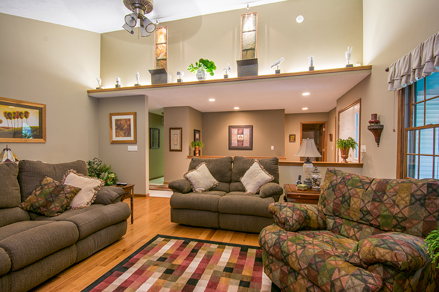 livingroom2email.jpg