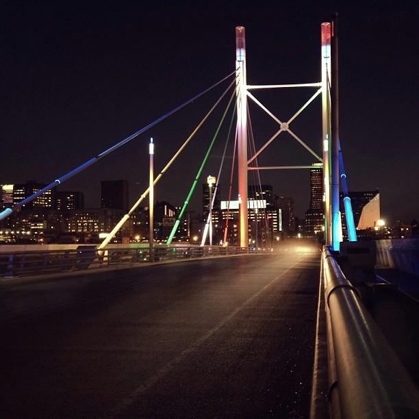 Hanging with Nelson (at Nelson Mandela Bridge)