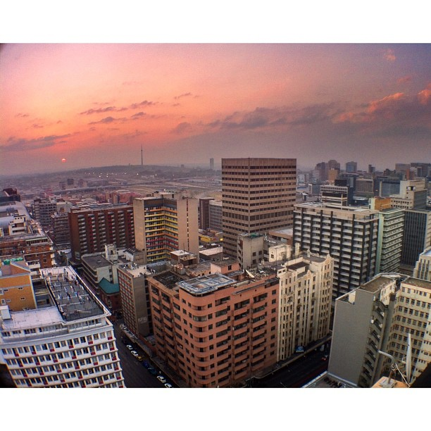 Jozi, you are beautiful | #iartjoburg #lovejozi #sunset (Taken with  Instagram  at Ansteys Building)