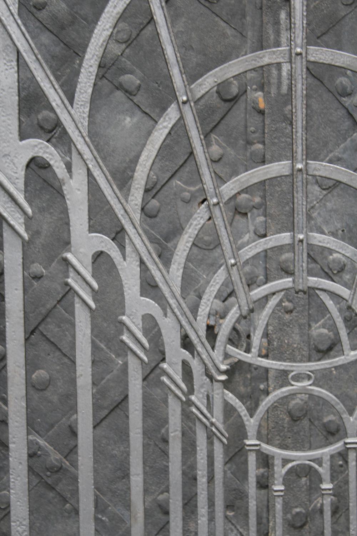 Central door detail
