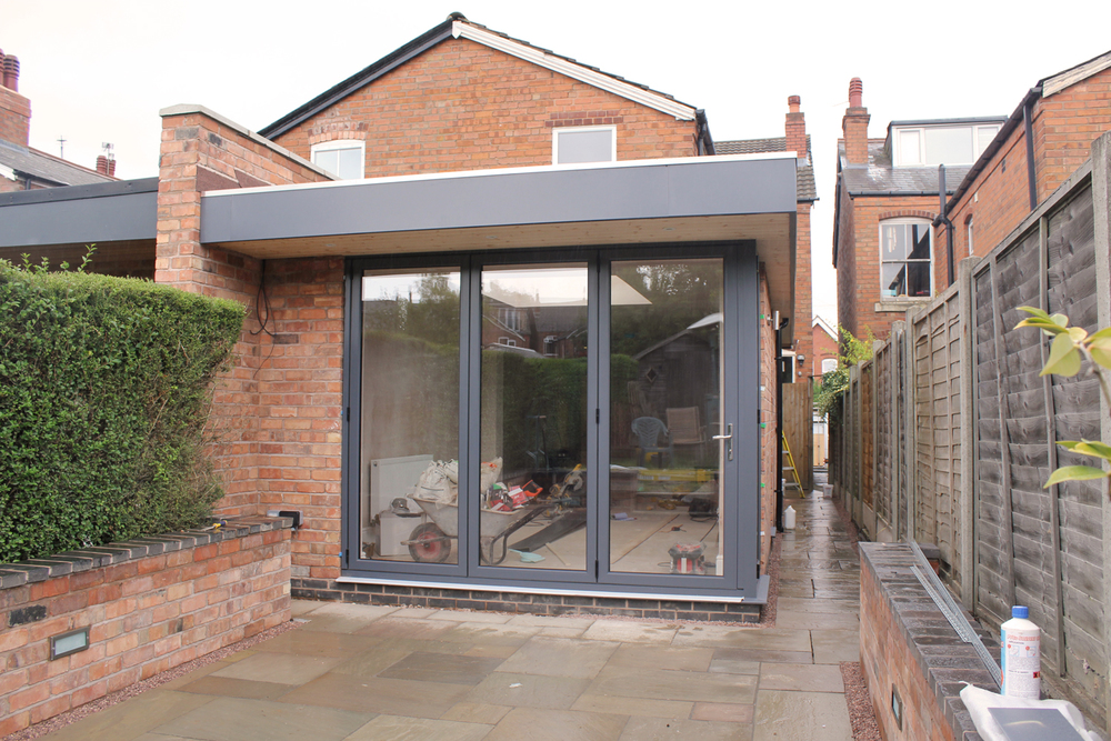 UNDER CONSTRUCTION : Single storey rear extension with flat roof