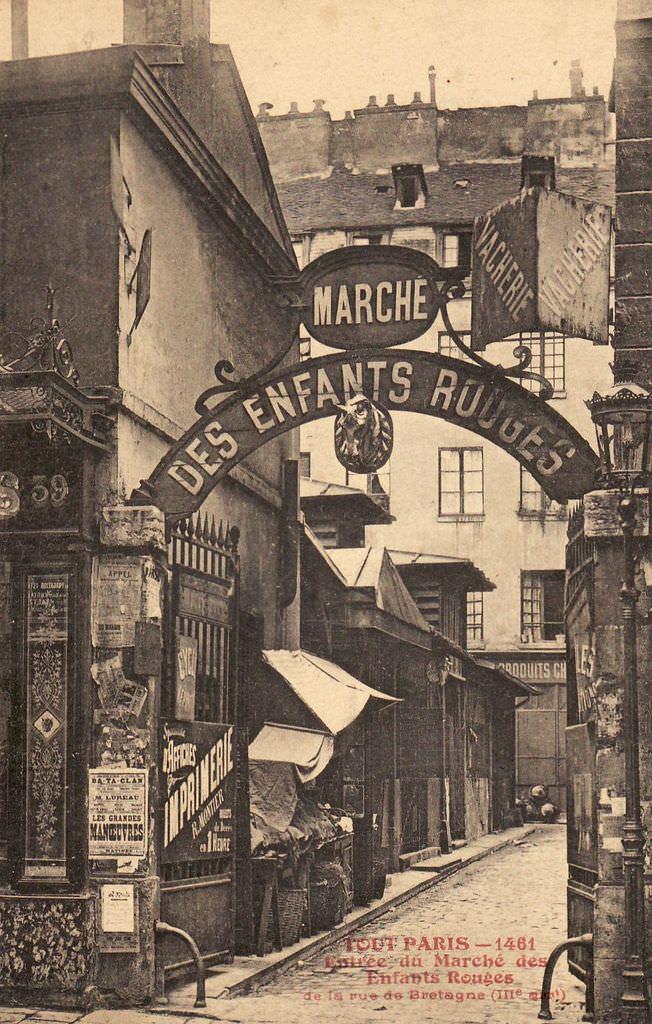 1326138937-1461-Tout-Paris-Entre-e-du-Marche-des-Enfants-Rouges-de-la-Rue-de-Bretagne-IIIe-arrt-.jpg