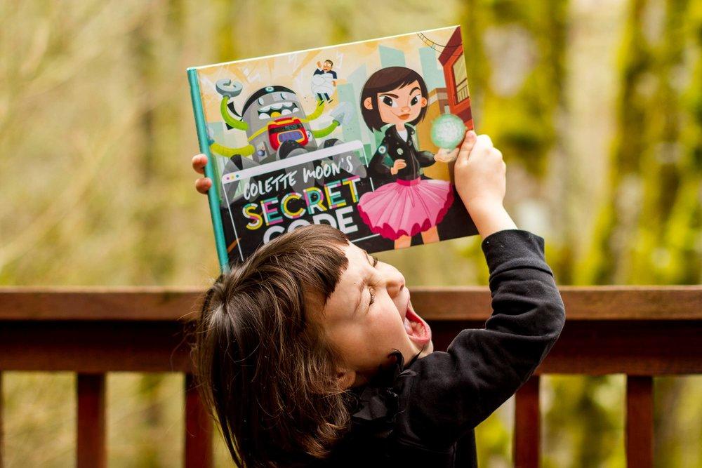 ColetteMoonSecretCode_optim mara lecocq secret code girlboss.jpg