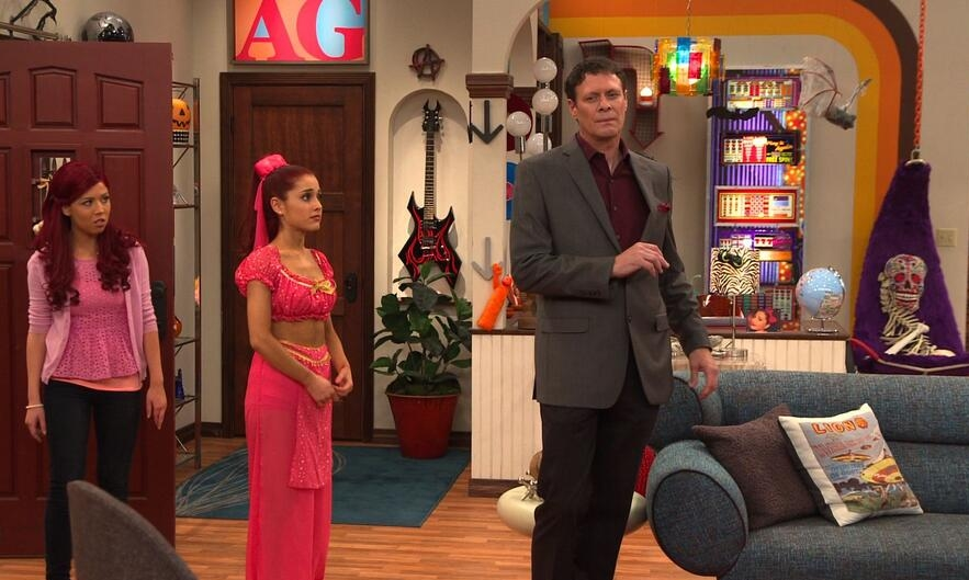 Tom as Mr. Drange on Sam & Cat