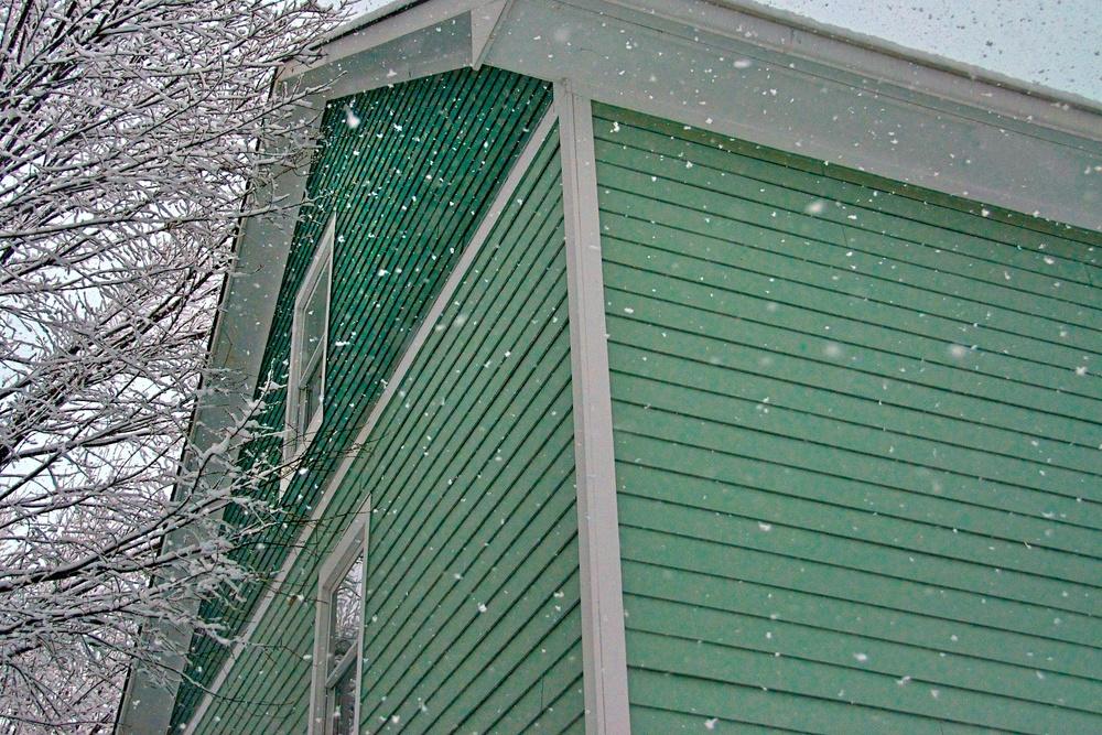 Snow on House.jpg