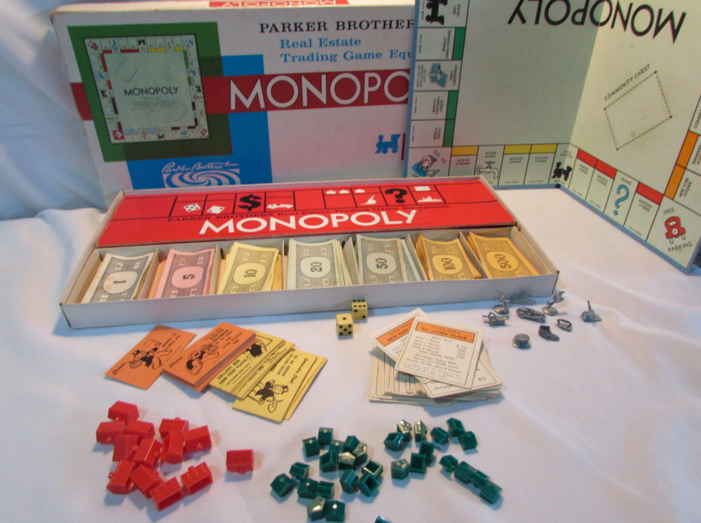 A Monopoly game from 1961. It's just like the one I had.