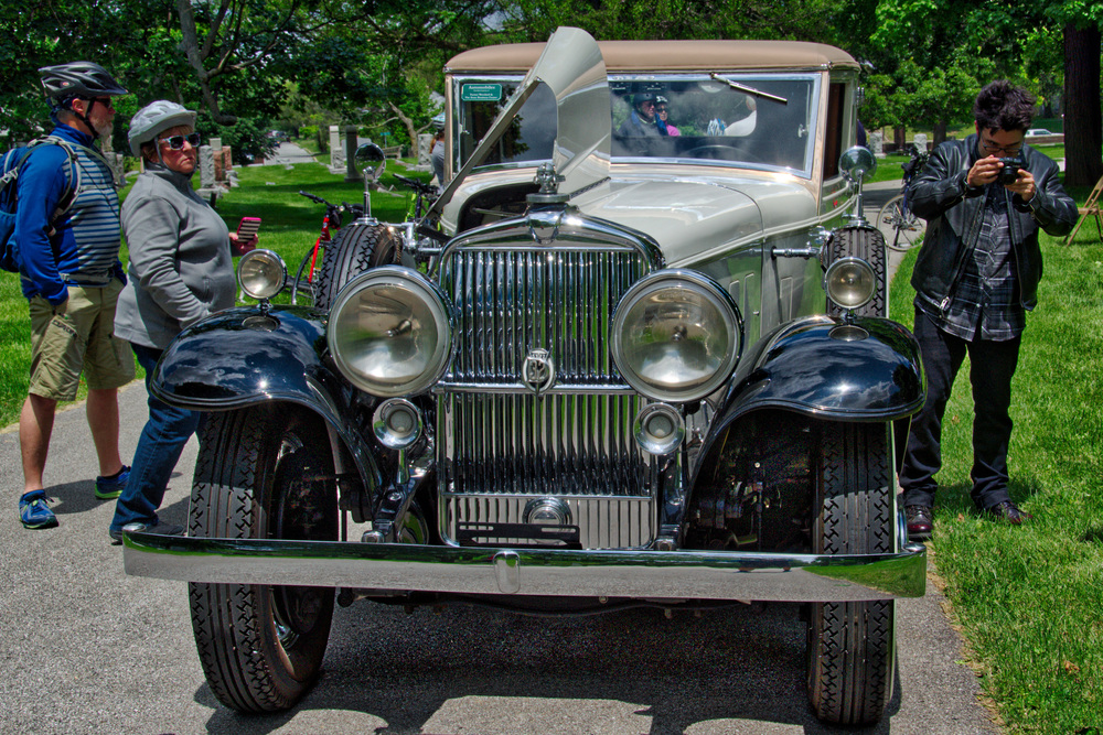 1933 Stutz DV32 Hollywood Sedan