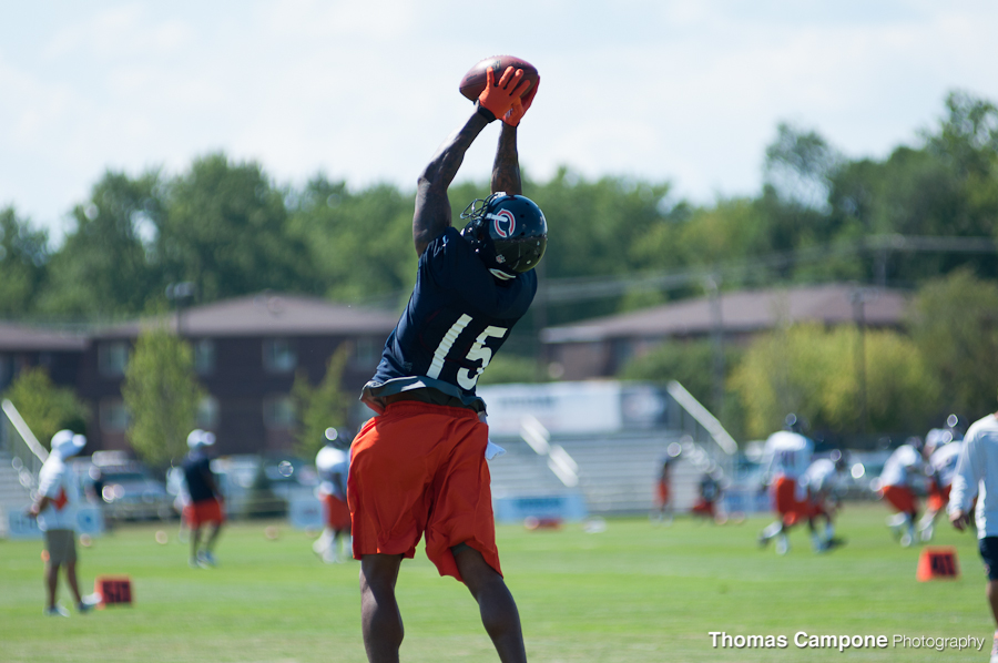 Brandon Marshall stretching to make the catch.
