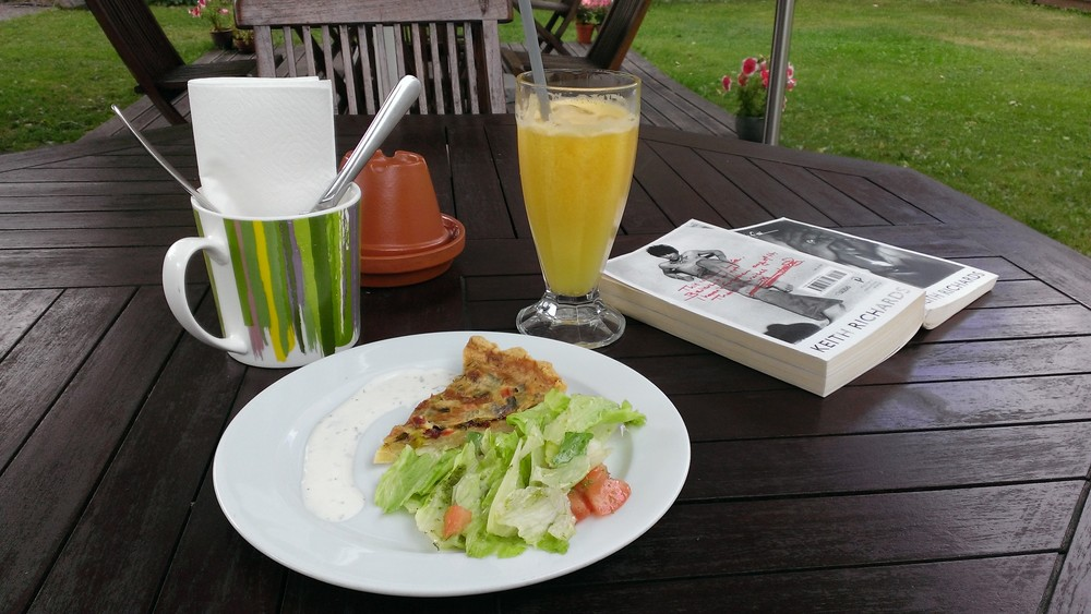 Quiche and orange juice