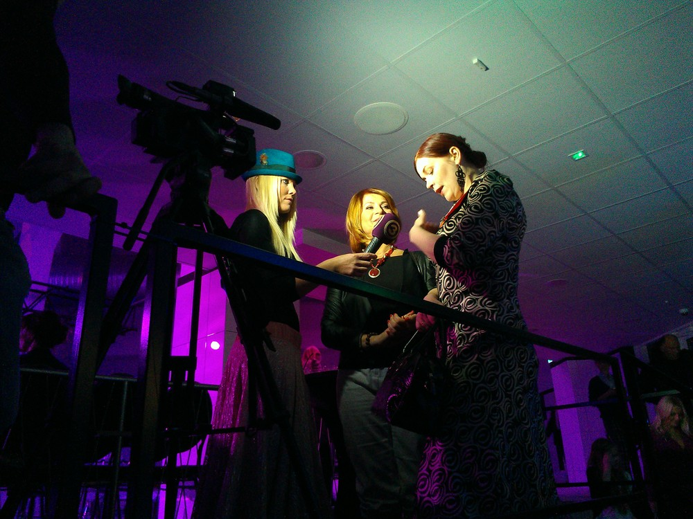 Estonian TV3 conducts interviews afterwards