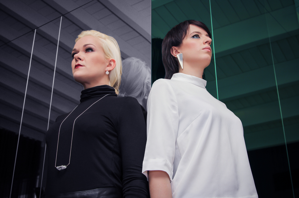 Reelika Ranik (left) and Katrin Kvade (right). Jewellery: New Vintage By Kriss