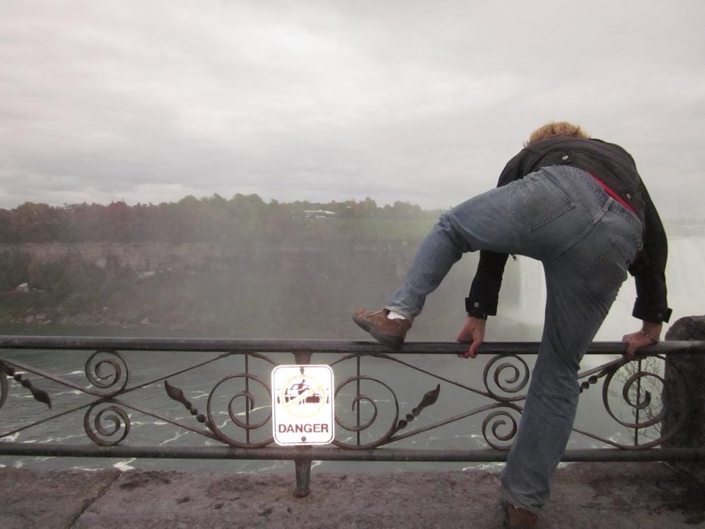 Do not climb Niagra falls.jpg