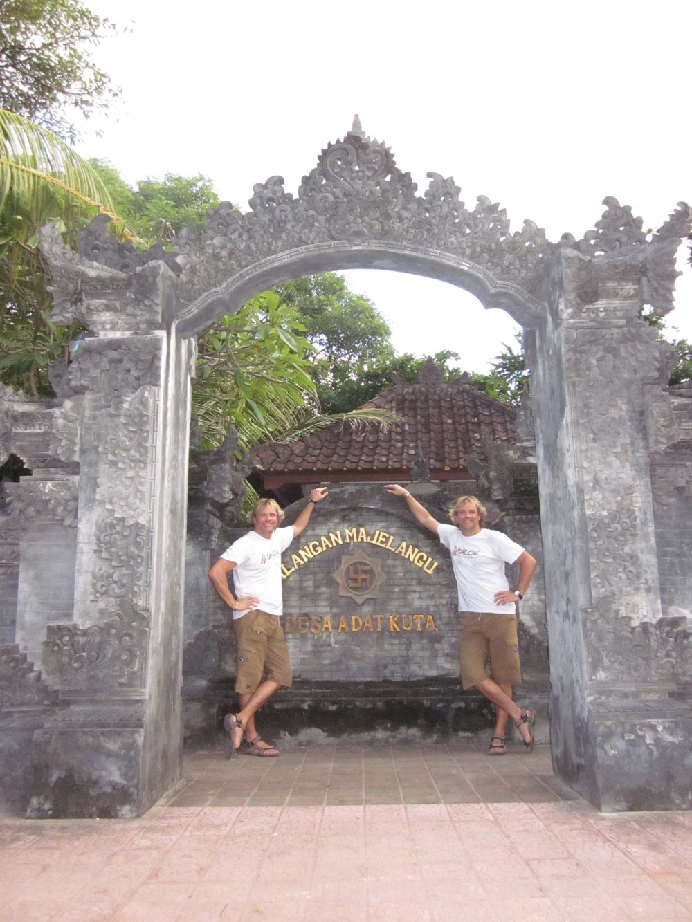 Buddhist Temple twins_edited-1.jpg