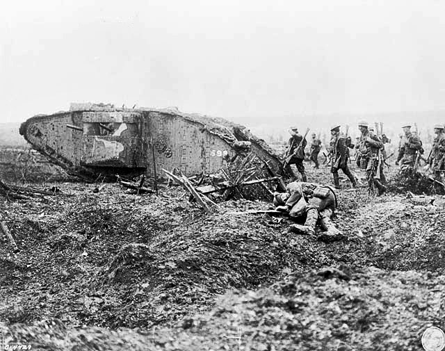 Canadian_tank_and_soldiers_Vimy_1917.jpg