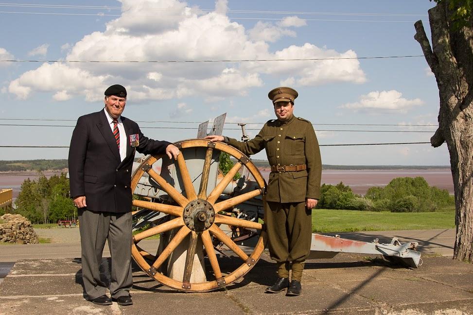 Br Gen Atkinson and Stuart Liptay President ACHS.jpg
