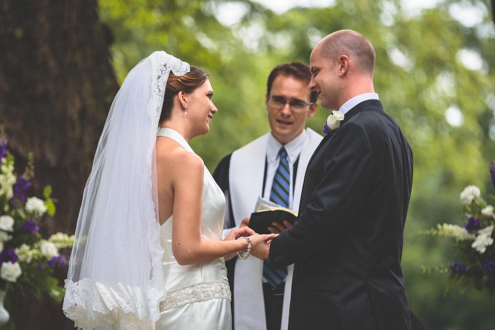 jen-bob-wedding-unionville-vineyards-nj-24.jpg