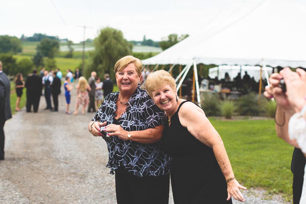 jen-bob-wedding-unionville-vineyards-nj-35.jpg