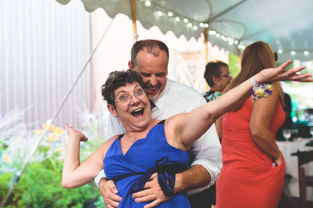jen-bob-wedding-unionville-vineyards-nj-52.jpg