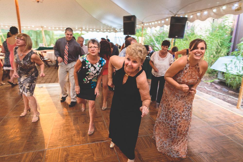 jen-bob-wedding-unionville-vineyards-nj-64.jpg