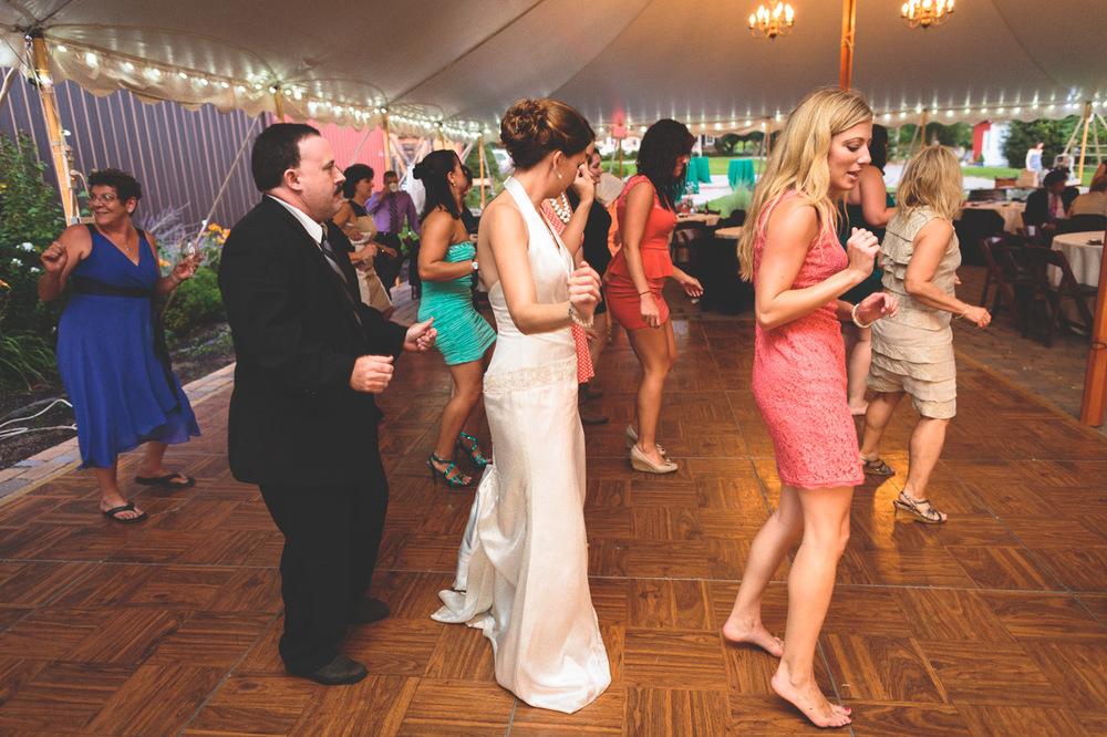 jen-bob-wedding-unionville-vineyards-nj-70.jpg