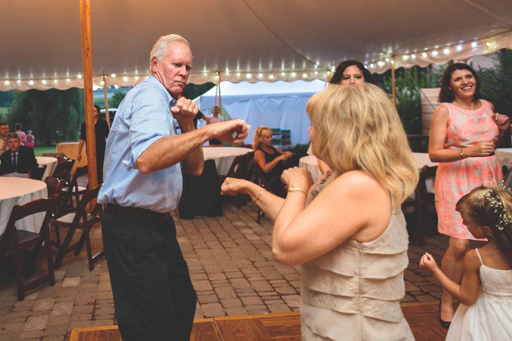 jen-bob-wedding-unionville-vineyards-nj-76.jpg