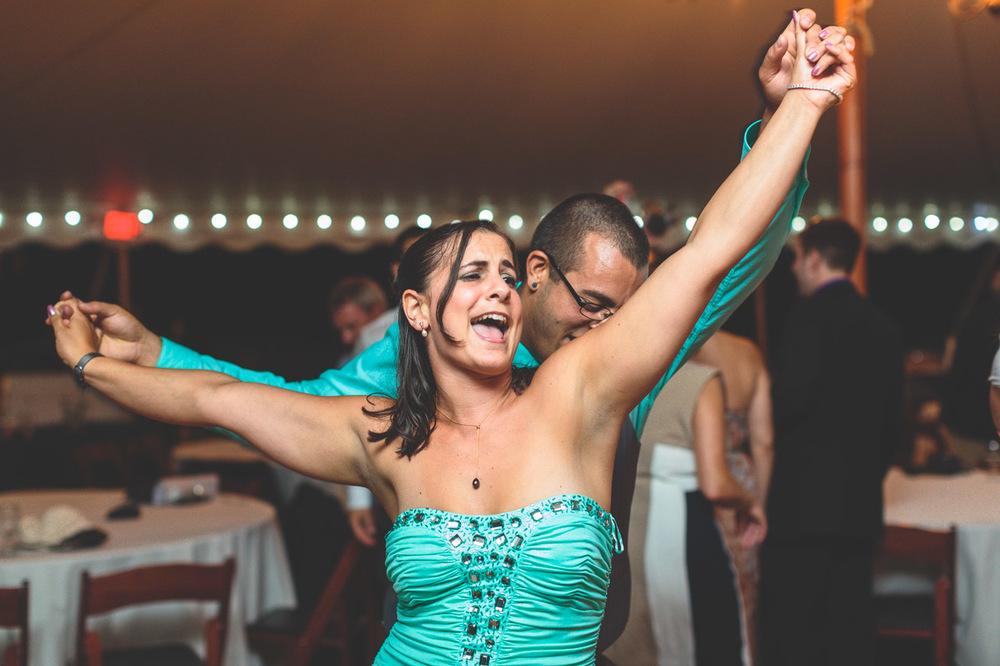 jen-bob-wedding-unionville-vineyards-nj-80.jpg