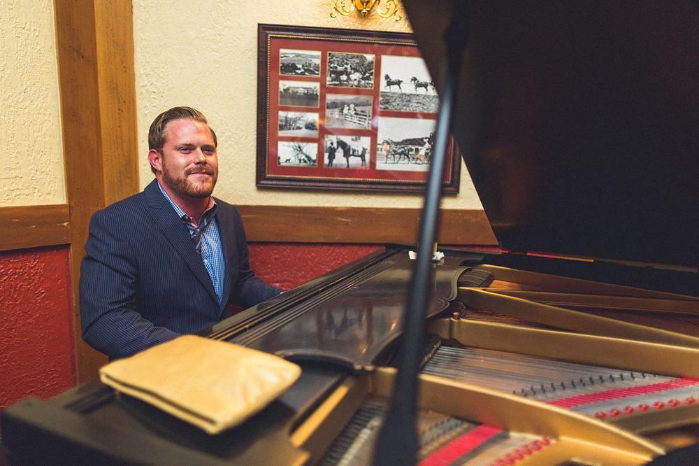 Roxiticus Piano Man