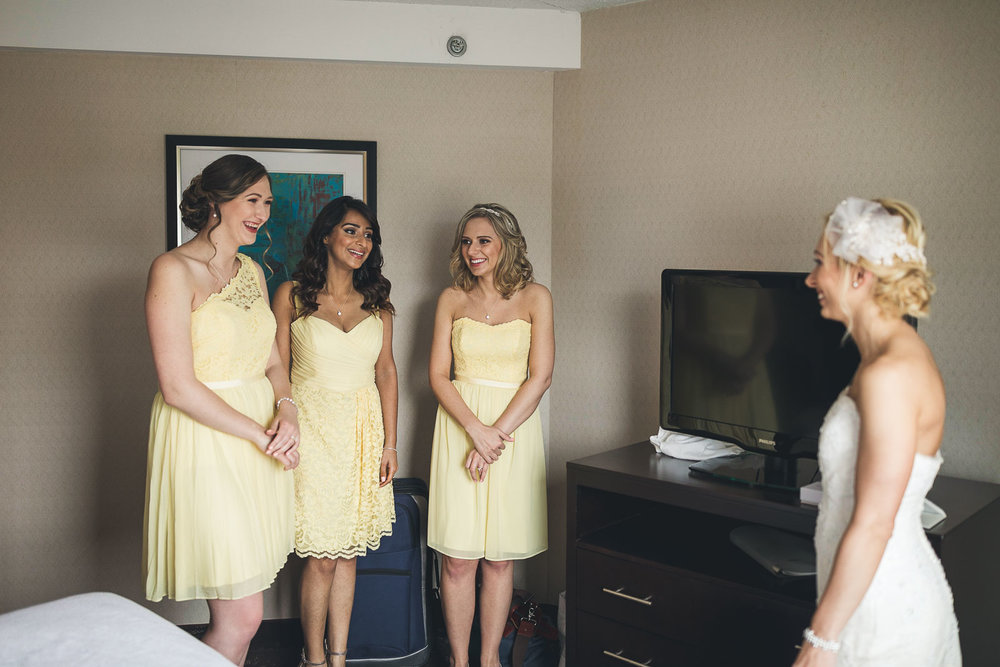 Bride and Bridesmaids all ready