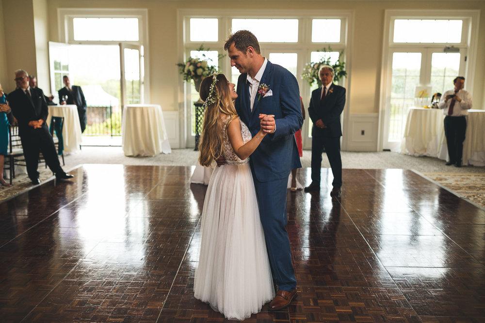 Hamilton Farm Golf Club Wedding First Dance