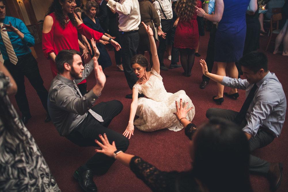 Bride gets down Cranbury Inn Wedding
