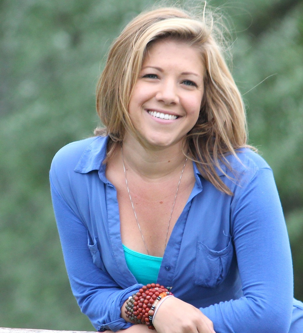 Amanda Linette Meder is an intuitive medium, and a teacher at heart.She offersprivate sessions, distance courses and mediumship training programs.