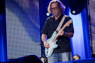 800px-Eric_Clapton_in_concert