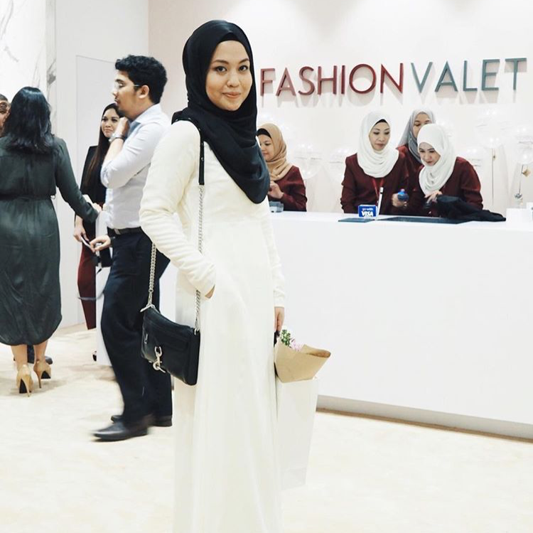 @dalillahismail made an appearance in #LtDessentials Nayla in Cream at #fvgoesoffline store opening.