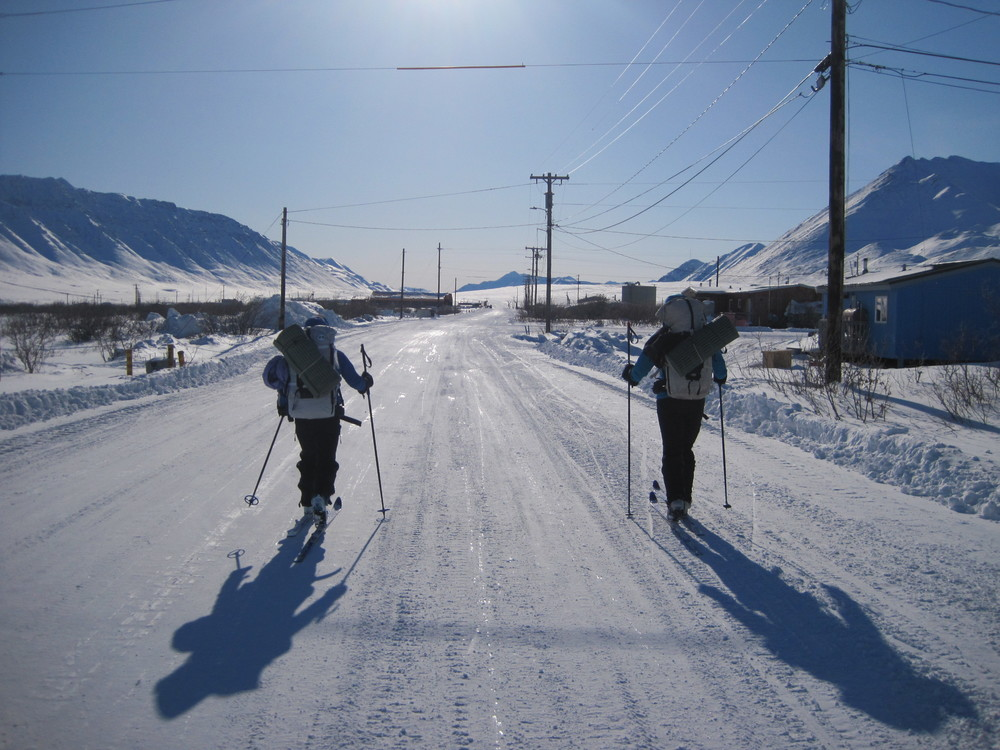 Skiing into Anaktuvuk Pass. Photo by H. Eisen.