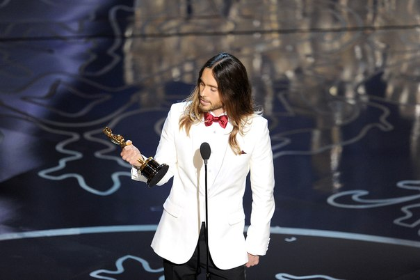 Jared Leto accepting his Oscar for Best Supporting Actor
