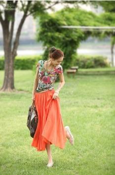 http://image.dhgate.com/albu_354492395_00-1.0x0/2013-spring-fashion-silk-women-skirt-casual.jpg