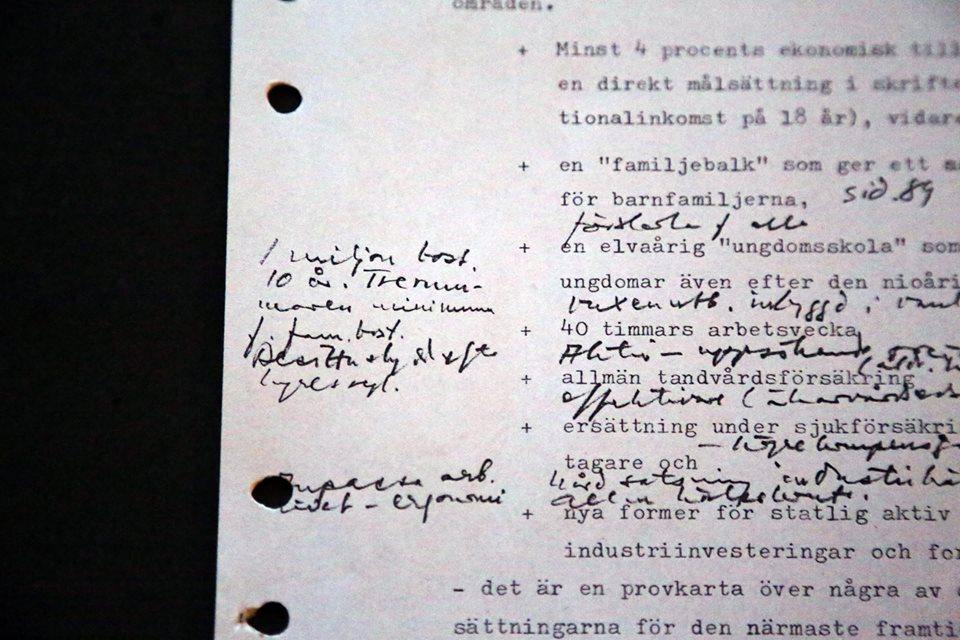 """Ernst Michaneks första anteckningar om det som skulle bli """"miljonprogrammet"""". Foto: Jan Jörnmark"""