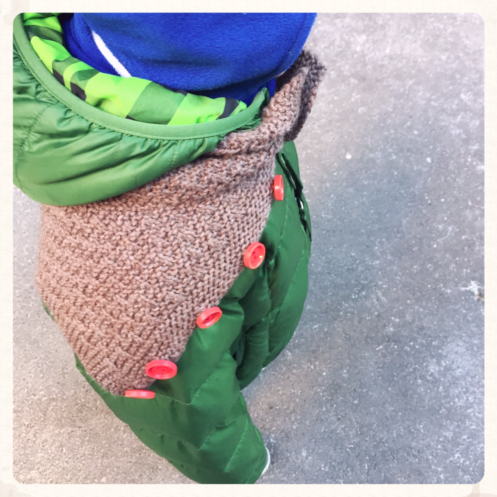 Asparagus Cowl pattern by bubiknits