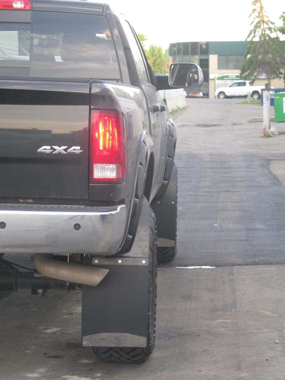 2010 Dodge 3500 — Broken Axle
