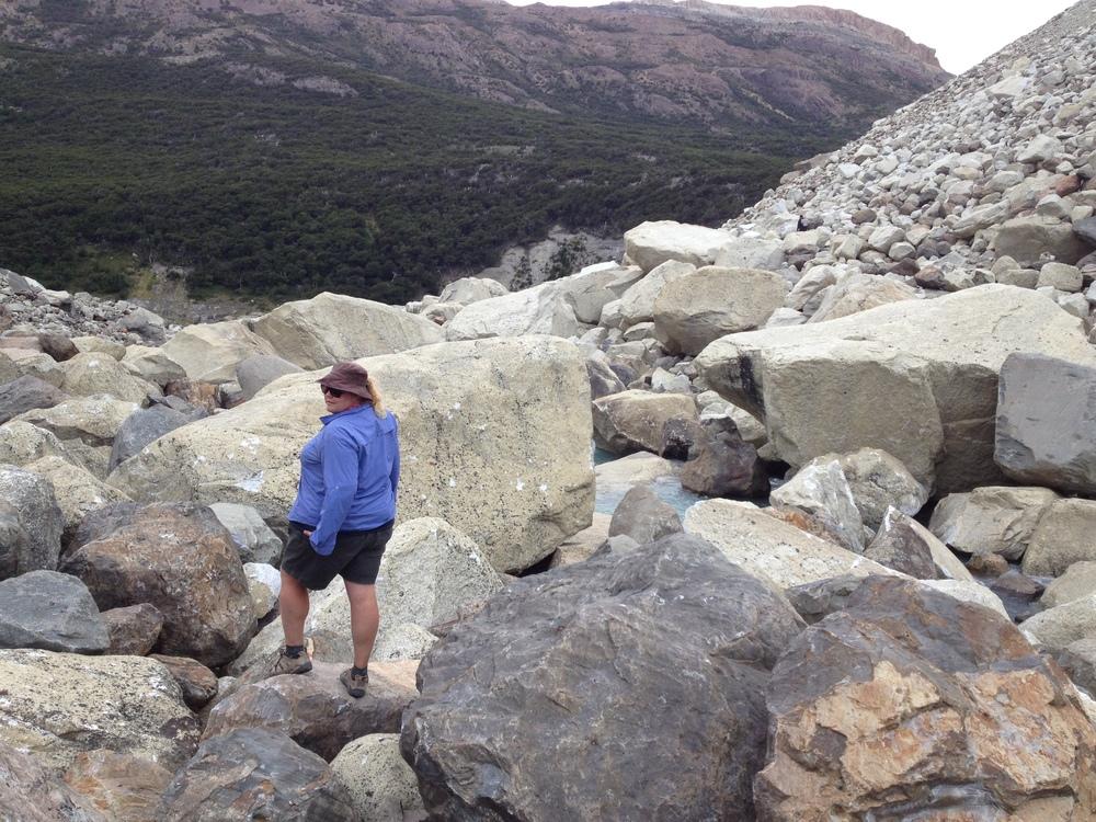 'A pleasant 45min walk to the mirador overlooking the glacier'... *cough*