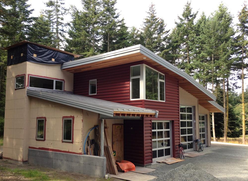 lopez island garage/guesthouse