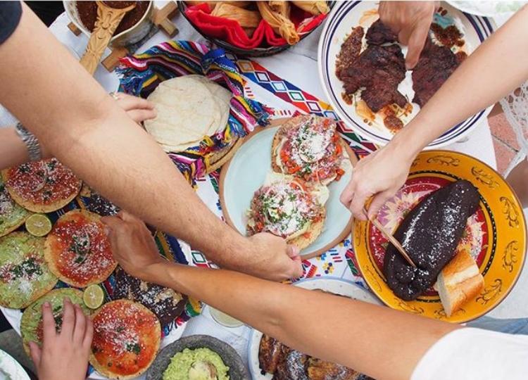 @hellosaratramp, Sara Tramp Ligoria Guatemalan Fiesta
