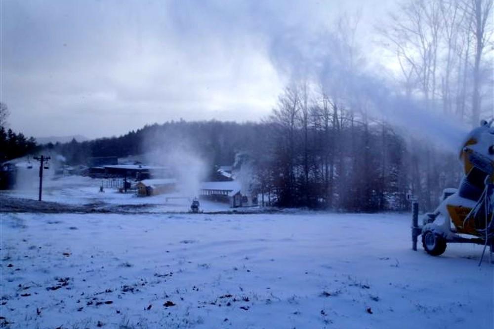 snowmaking_003.jpg