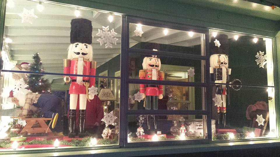 Santa's Workshop at Rowe's Cabins in Schroon Lake