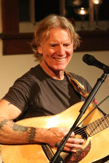 Roy Hurd plays August 5, 2018